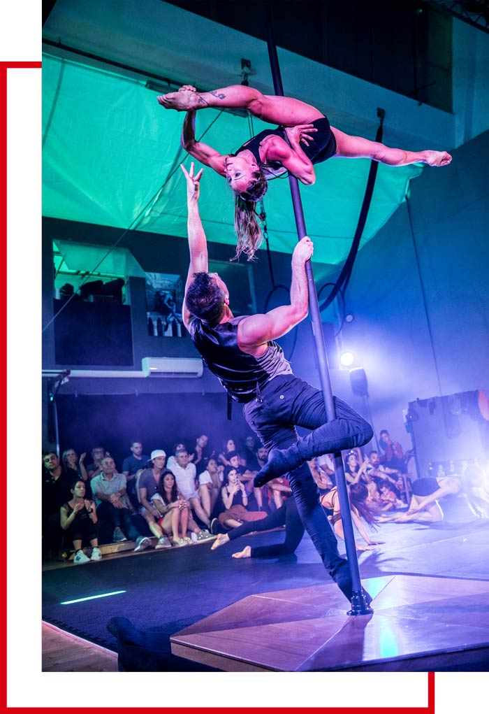 Danza-acrobatica-Pole-Dance-Milano-Zamaga-Skills-red